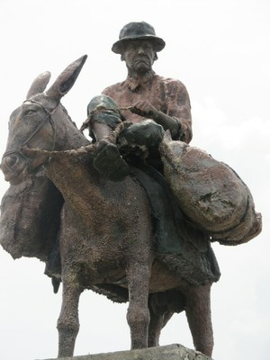 Statue in Dibulla Colombia