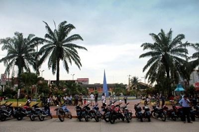 4714 - Motorcylces in the Plaza in Tarapoto Peru.JPG