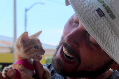 4812 - Ben Raps with a Kitten.JPG